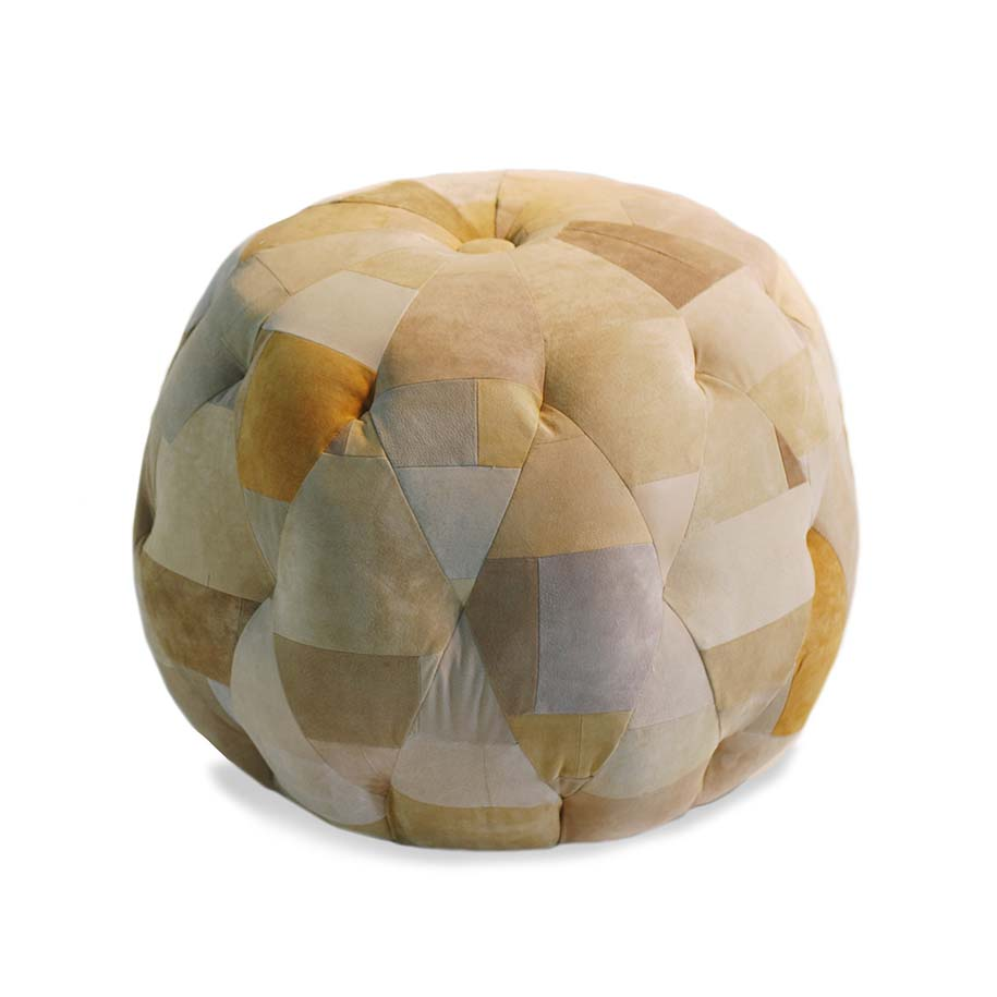 Pouf_balloon_tufted_patchwork_suede_natural(c)Marie-s_Corner